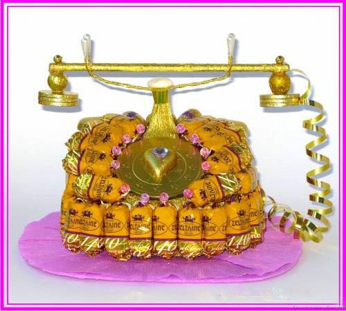 Телефон из конфет своими руками 67
